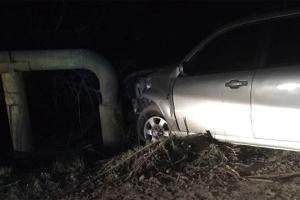 На Буковині автомобіль врізався у газову трубу - 9 сіл залишилось без газу