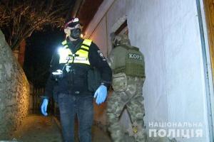 На Винниччине мужчина устроил стрельбу, ранены четверо полицейских