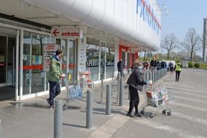 В Італії оштрафували літню жінку, яка 11 разів за день ходила в магазин