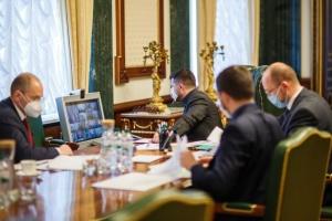 Протидія коронавірусу: Зеленський провів нараду з мерами й головами ОДА