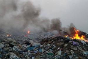 На Миколаївщині триває ліквідація пожежі на полігоні твердих побутових відходів