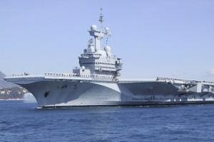 """В екіпажу французького авіаносця """"Шарль де Голль"""" виявили ознаки COVID-19"""