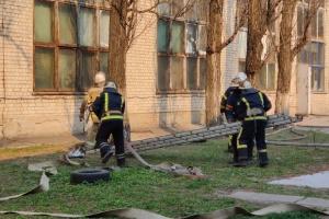 Пожежу на складі у Києві погасили