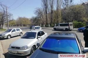 В Николаеве авто главного санврача врезалось в микроавтобус журналистов