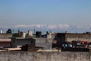 Жителі Індії завдяки карантину вперше за 30 років побачили Гімалії