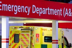В Британии количество умерших от коронавируса приблизилось к восьми тысячам