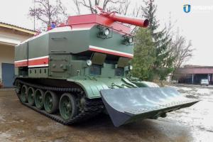 Львівський бронетанковий передав ЗСУ чергову партію пожежних танків