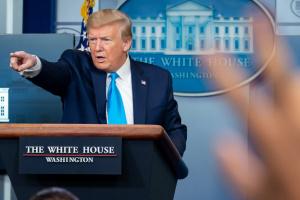 Трамп хоче провести багатотисячний з'їзд республіканців попри пандемію
