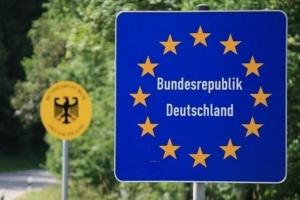 Німеччина до середини червня продовжила дозвіл на в'їзд сезонних працівників