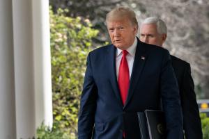 """Трамп вперше підтвердив кібератаку на російську """"фабрику тролів"""" - журналіст"""