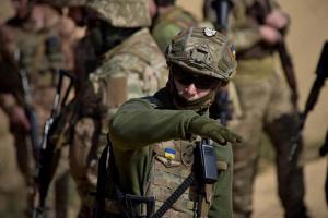 Окупанти обстріляли позиції ЗСУ, поранений військовий