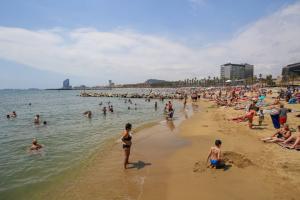 В Испании закрылась треть гостиниц на фоне пандемии COVID-19