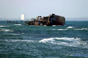 Евакуація Delfi знову затягується - власник танкера звинувачує шторм