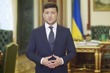 Zelensky announces arrival of 11 aircraft with medical cargo for Ukraine