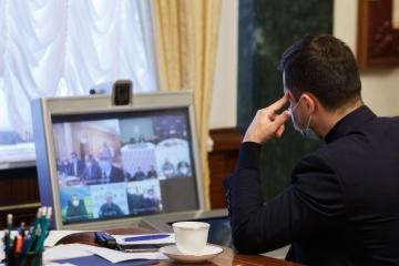 ゼレンシキー大統領に高熱はなく、自宅で勤務中=報道官