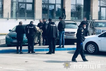 У Чернівцях посеред вулиці застрелили чоловіка