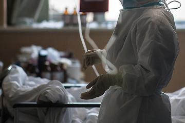 Covid-19 : La barre des 100 000 décès dépassée dans le monde