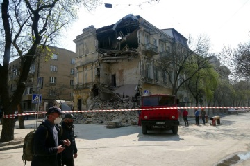 В Одесі обвалилася стіна триповерхового будинку
