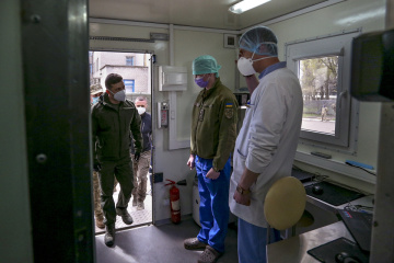 Zelensky visits tent camp of military field hospital in Donetsk region