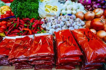 Le gouvernement ukrainien autorise l'ouverture des marchés alimentaires