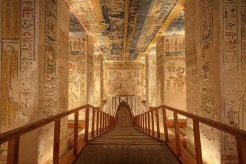 Батьківщина фараонів пропонує безкоштовно «відвідати» гробниці без натовпів туристів