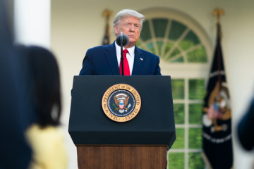"""Трамп пояснив """"лідерство"""" США за кількістю випадків COVID-19"""