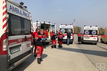 Verletze Soldaten aus der Ostukraine in Kyjiwer Militärkrankenhaus evakuiert