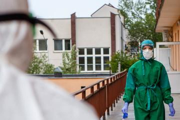 Ucrania suma 16.425 casos de COVID-19 tras confirmarse 402 nuevos contagios