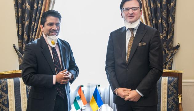 Київ і Делі домовилися про захист громадян, які не можуть повернутися додому через коронавірус
