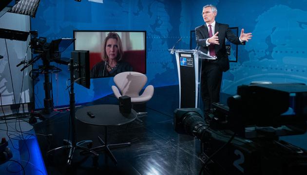 Stoltenberg: La OTAN intensificará el apoyo práctico a Ucrania y Georgia