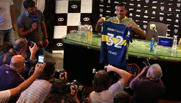 Футболісти можуть рік прожити без зарплати – Тевес