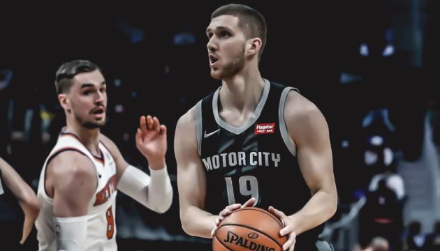 Бывший клуб Михайлюка сделал подборку лучших бросков украинца в сезоне НБА