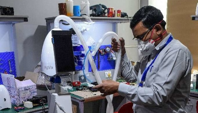 В Індії створили бюджетний апарат ШВЛ розміром з тостер