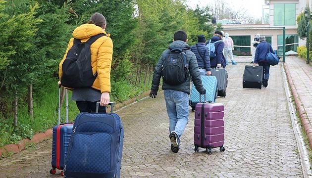 Туреччина евакуювала з України ще 103 своїх громадян