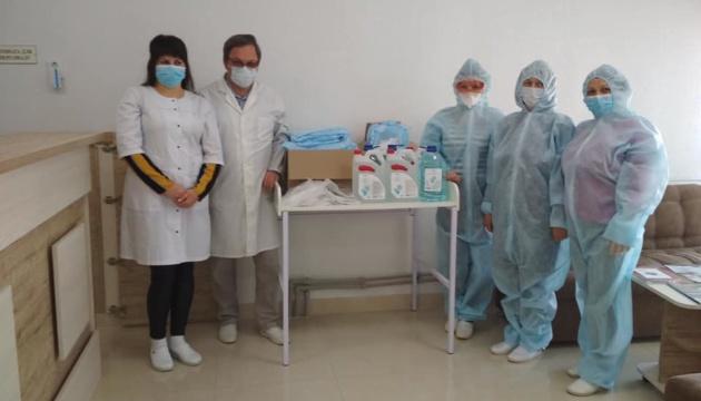 Wolontariusze z Warszawy zbierają pomoc dla ukraińskich lekarzy