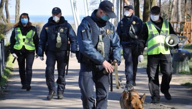 У перший день посиленого карантину поліція спіймала 192 порушників
