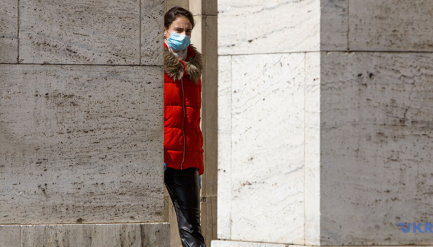 У яких країнах обов'язково треба носити захисні маски