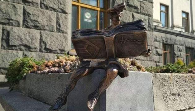 У Луцьку знову викрали історичний символ міста - статуетку кликуна