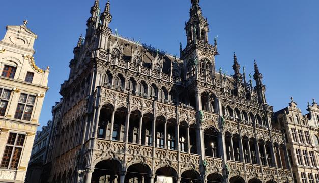 Бельгия откладывает ослабление карантина до апреля