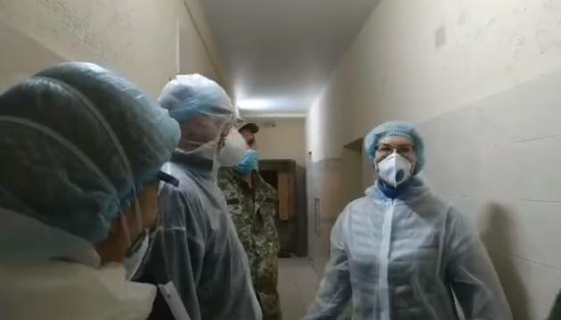 Борьба с коронавирусом: Денисова нашла нарушения в Лукьяновском СИЗО
