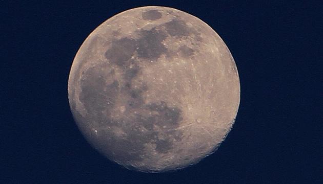 Суперповня: зранку Землю очікує максимальне наближення Місяця