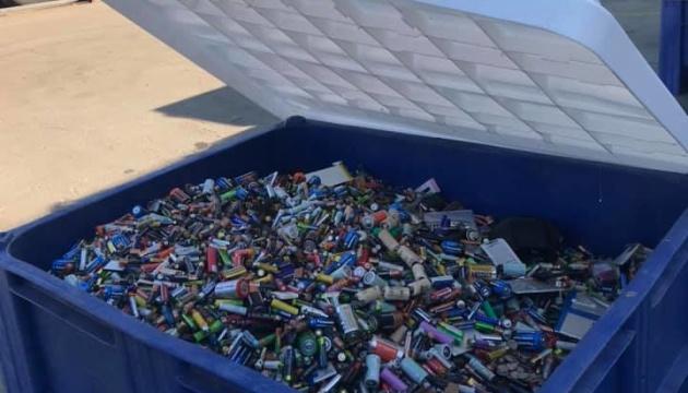 Київ відправив на переробку до Румунії 4,5 мільйона батарейок
