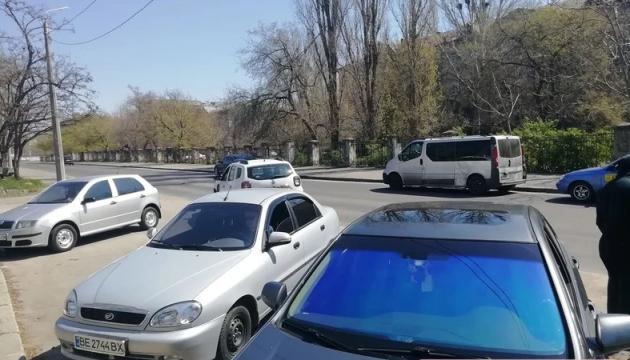 У Миколаєві авто головного санлікаря врізалося у мікроавтобус журналістів