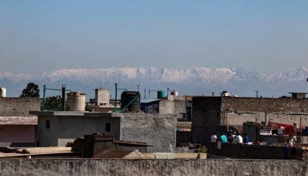 Жители Индии благодаря карантину впервые за 30 лет увидели Гималии