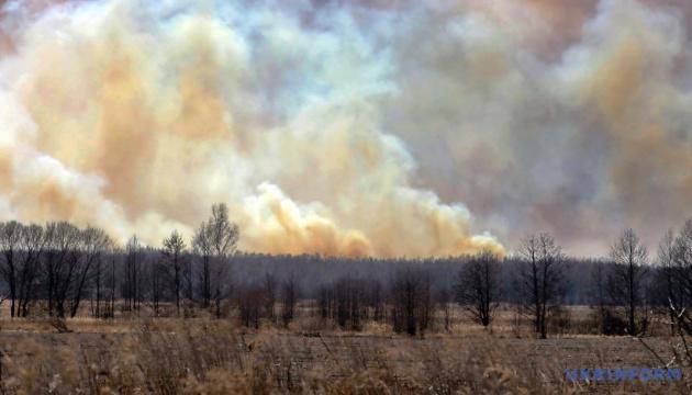 Tchornobyl : Le feu de forêt maitrisé, les pompiers éteignent les derniers feux couvants