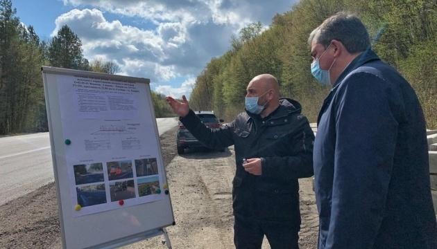 На Вінниччині планують відремонтувати 96 км доріг загального користування місцевого значення