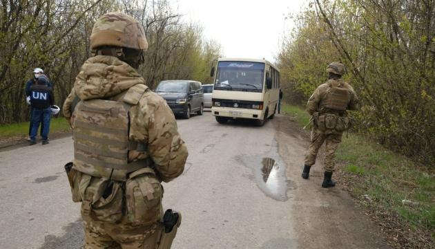 У звільнених з полону українців коронавірусу не виявили – ОП