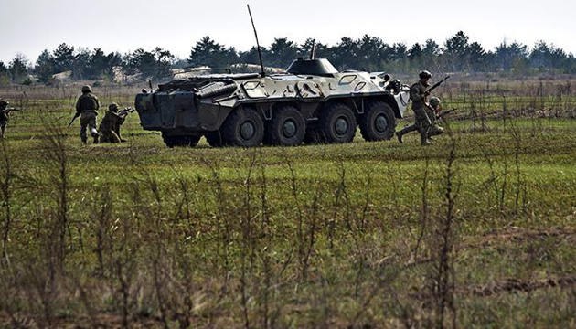 Invaders launch 15 attacks in Donbas, one Ukrainian soldier injured