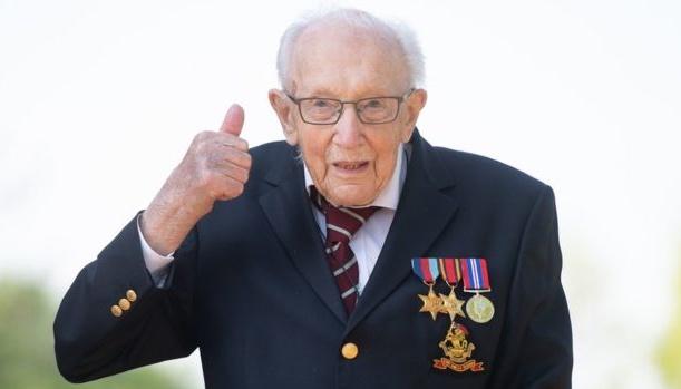 У Британії 99-річний ветеран зібрав понад £13 мільйонів на боротьбу з коронавірусом