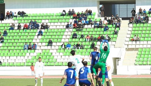 Туркменистан первым в мире возобновил чемпионат страны по футболу